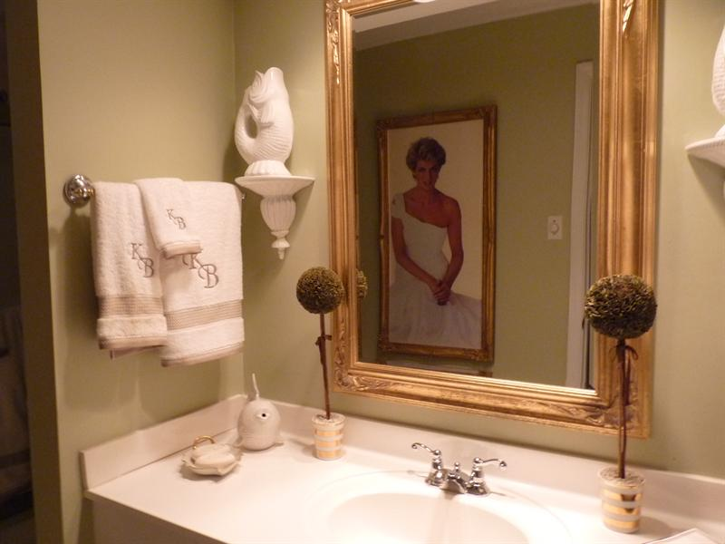 funny bathroom with Diana, in a beautiful house in Atlanta (so nice peopole who hosted us)