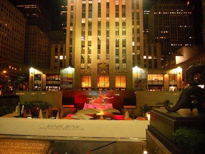 New York - The Rockefeller Centre Rink Bar
