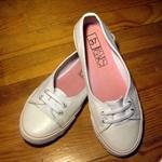 戰利品2。二手新鞋2歐