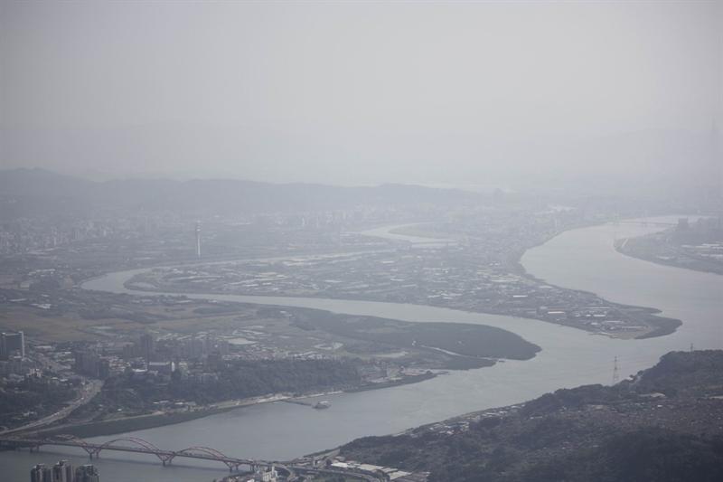 基隆河與淡水河在社子島交會