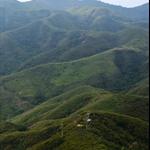 上山途中回望對面的上下苗田及大峒一帶