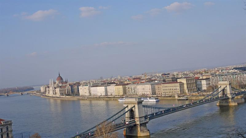Szchenyi Bridge (chain bridge)