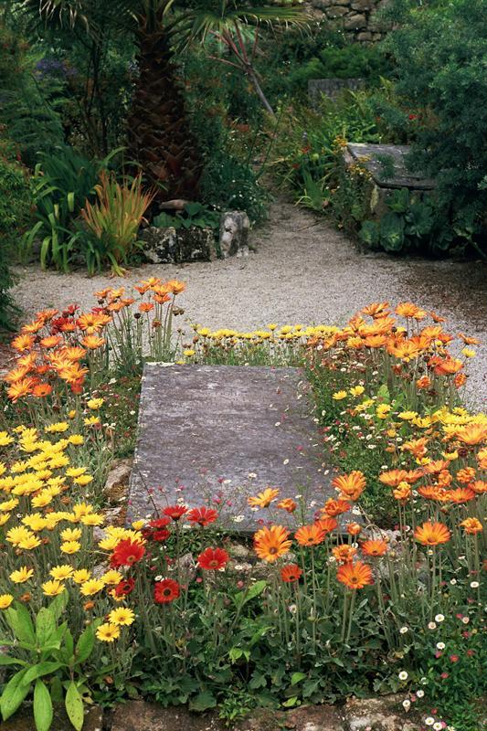 a pretty tomb