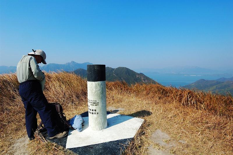 雷打石山山頂379米