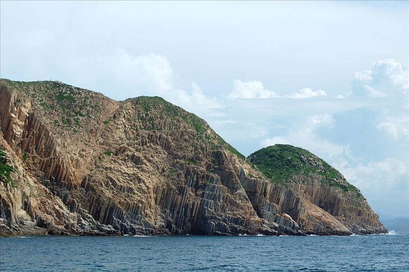 果洲擁有全港最大的六角形岩柱