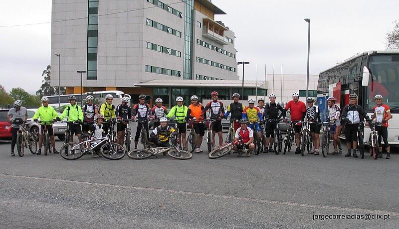 ... foto de grupo antes do início da última etapa ...