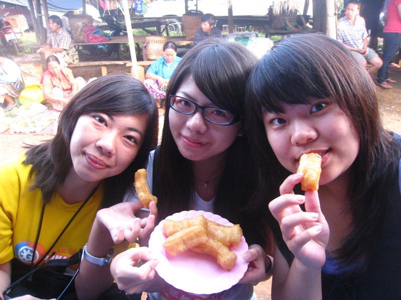 """嘗起來很像台灣的""""雙胞胎""""(一種甜點小吃)"""