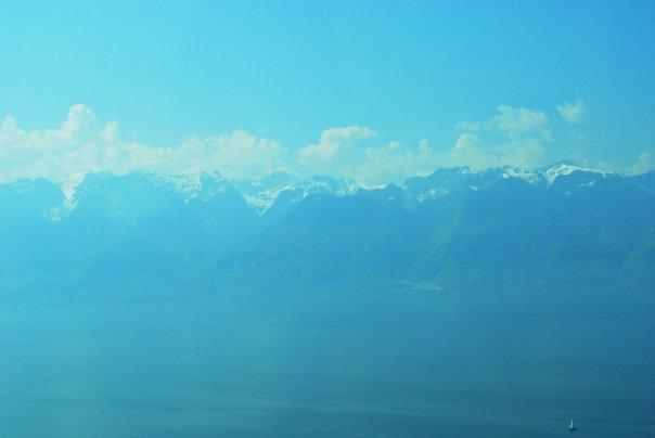 Blue blue sky, blue blue lake...