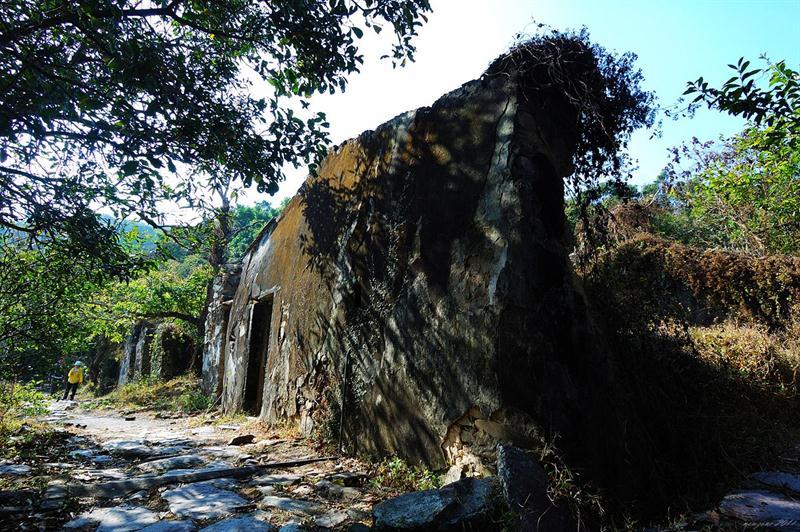 下苗田廢屋 Ha Miu Tin Ruined village
