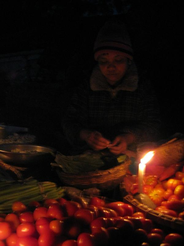 Hsipaw morning market (2AM-6AM, freezing cold, go figure)