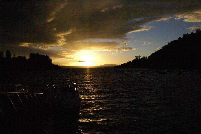 Playa Chica - Villarrica Lake - Puc�n - February 2009