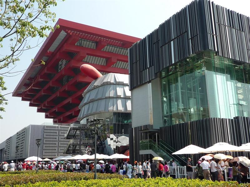 China Pavilion (Left) and Hong Kong Pavilion (Right)