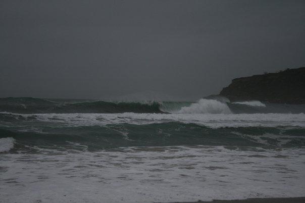 2 m.Swell ouest, vent Sud-Est. Marée haute-bons tubes-reef