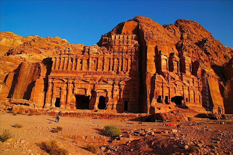 Palace Tomb and Corinthian Tomb