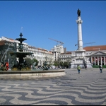Looking at the paving in the Praca .....
