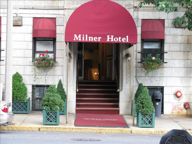 moeders hotel