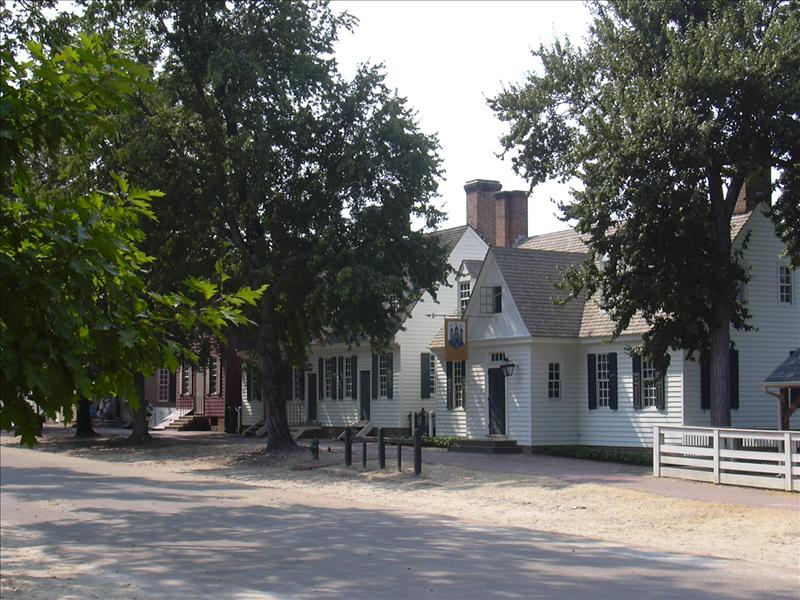 the town of Williamsburg is a serious effort to display colonial times