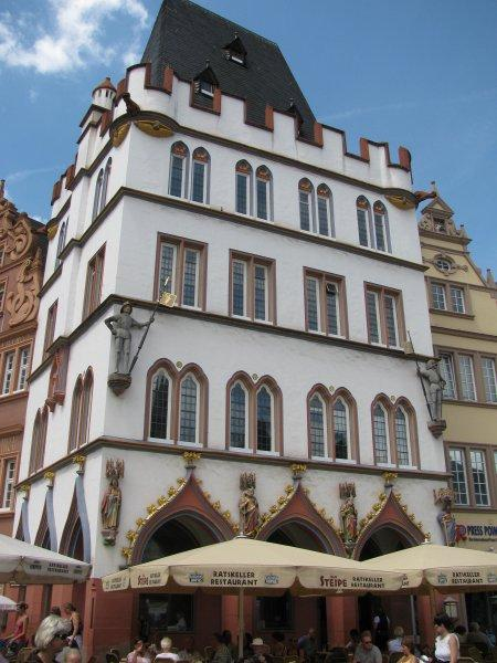 The Hauptmarkt .....