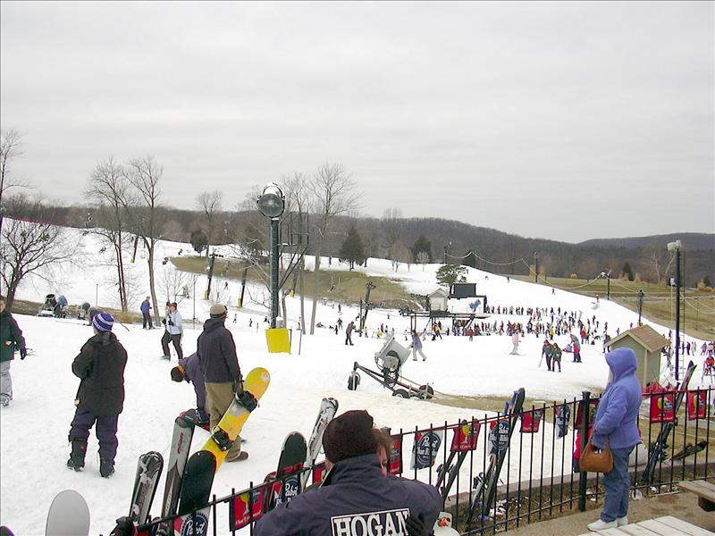 as this is a very seasonal business, better call to see about snowfall amounts and hours at Hidden Valley