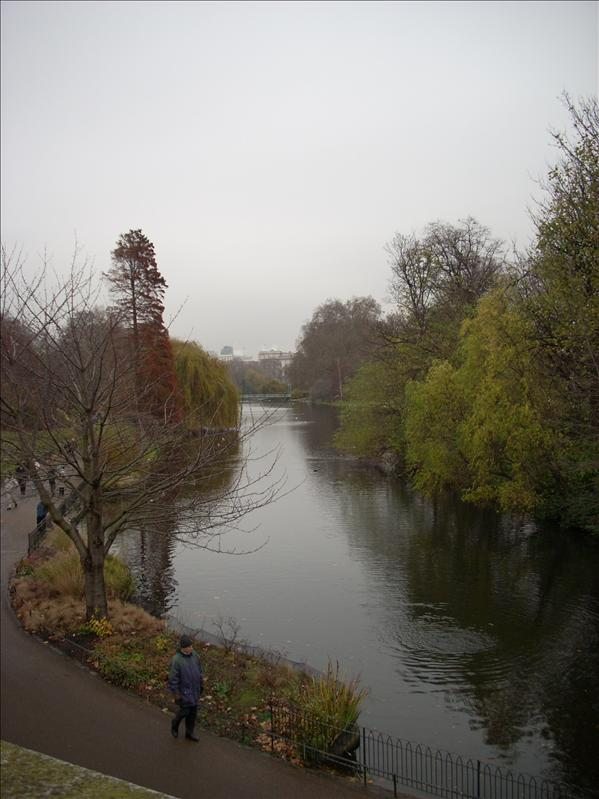 Cloudy day in St. James Park