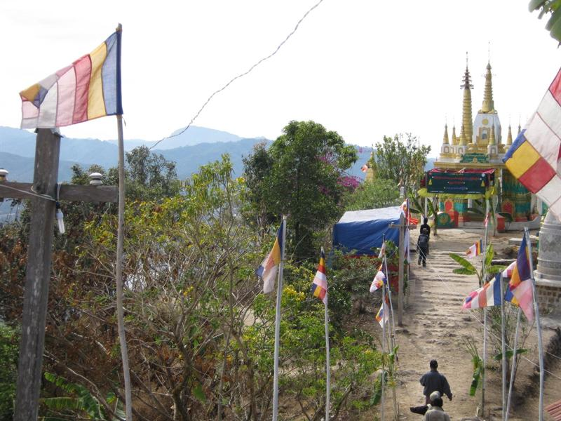 full moon day at the monastry - all the people from around the area coming to make offerings