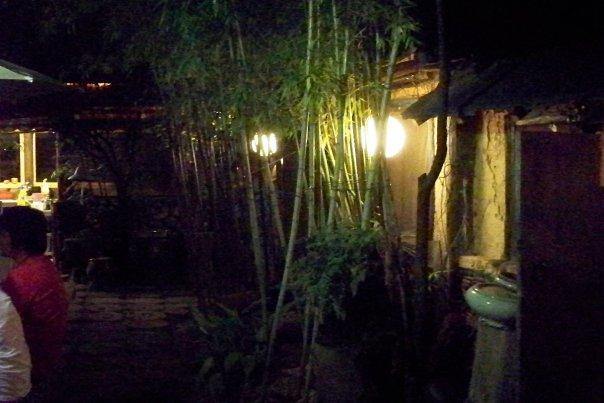 08/15 - busan - ol timey bar -
