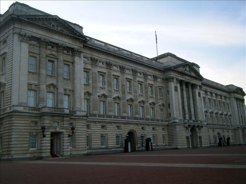 buckingham palace!