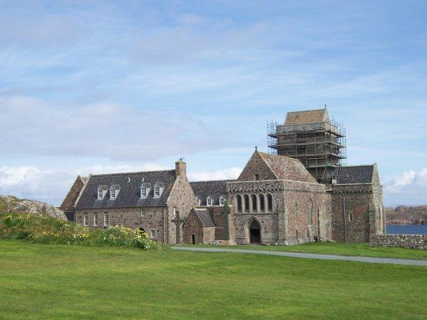 IONA ABBEY, APR 2007