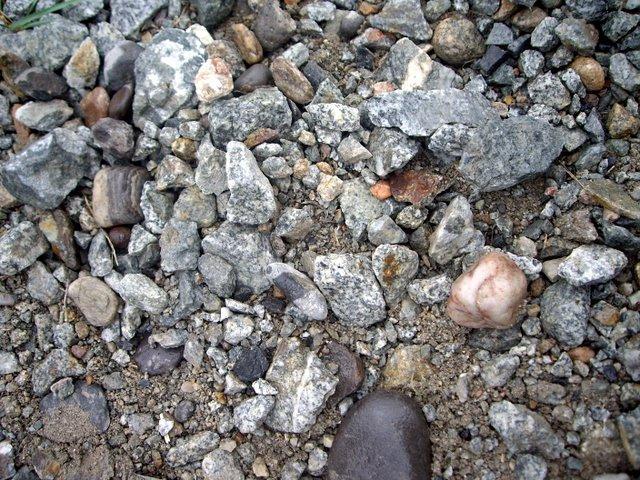 石子小路都是大理石