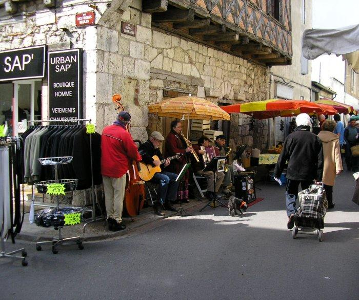 Jazz band is out on market day at Ste-Foy