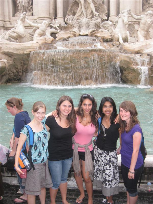 Trevi Fountain with St. Thomas students