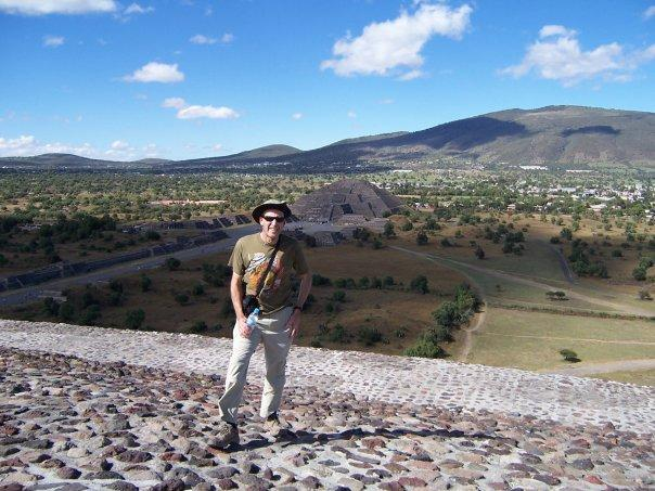 TOWARDS THE PYRAMID OF THE MOON, TEOTIHUACAN