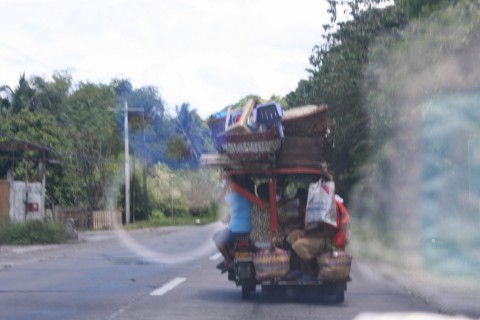 This is how the locals transport boxes