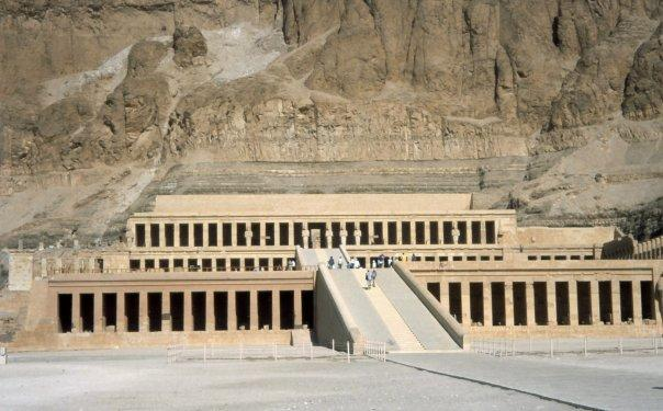 TEMPLE OF HATSHEPSUT, LUXOR - VALLEY OF THE KINGS