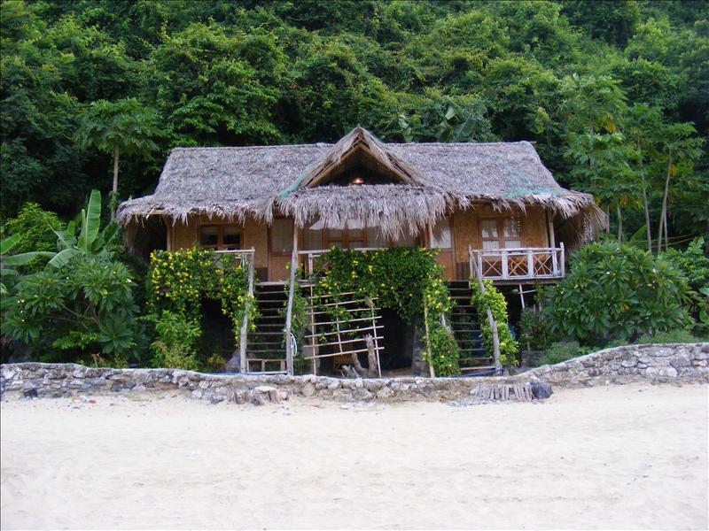 Beach Hut Halong Bay 2