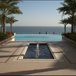 The swimming pool beside the sea - Shangri La Al Husm