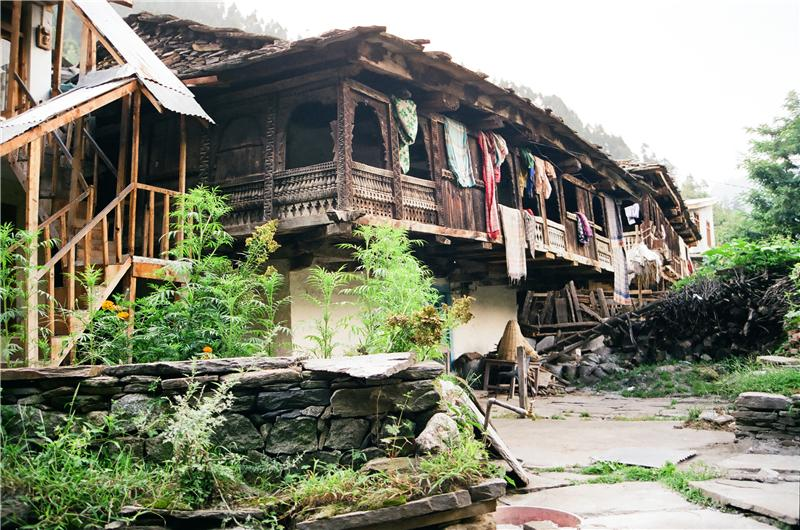 up hill old Manali