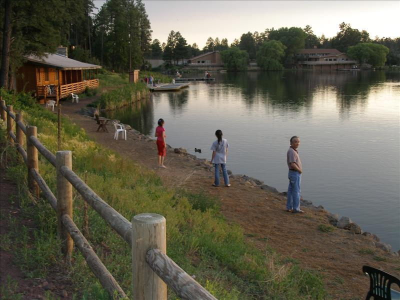 Our base camp in Pinetop for this trip. A little fishing hole just a few steps away, a casion just a few miles away for the non-adventurers like my wife and my mom.