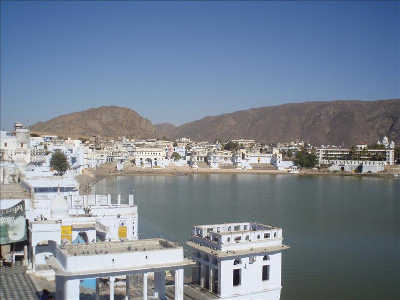Pushkar Ghats, no photos allowed...