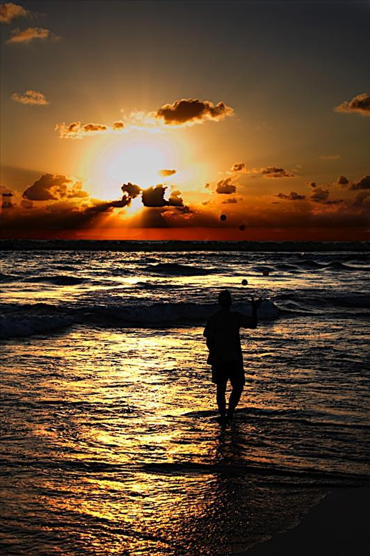 Sunset Joggler