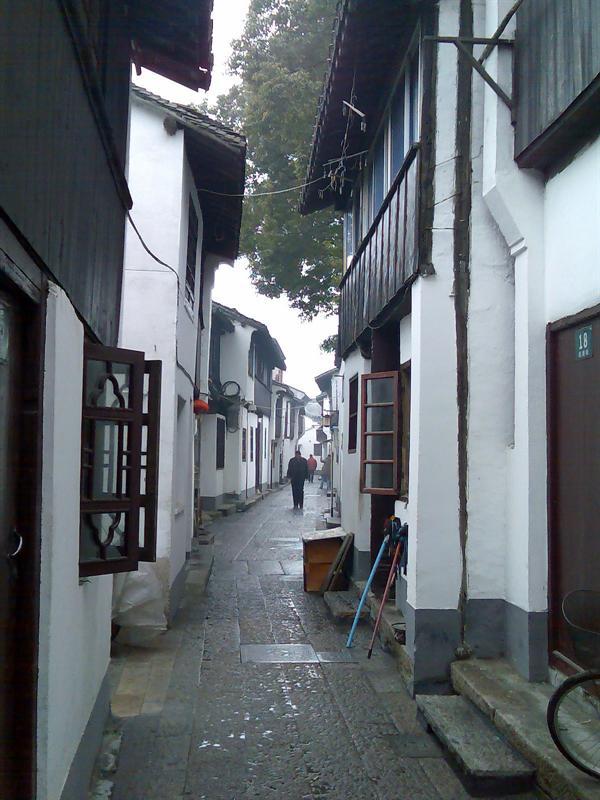 很窄的街道