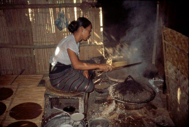 COOKING IN KALAW, MYANMAR