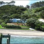 Vewy pwetty house in the Bay of Islands!