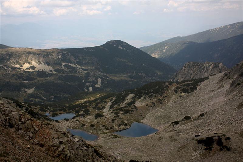 Езерца под Типиците. Няма друга пътека в България, а може би не само в България, от която за един ден можеш да се насладиш на толкова много езера.