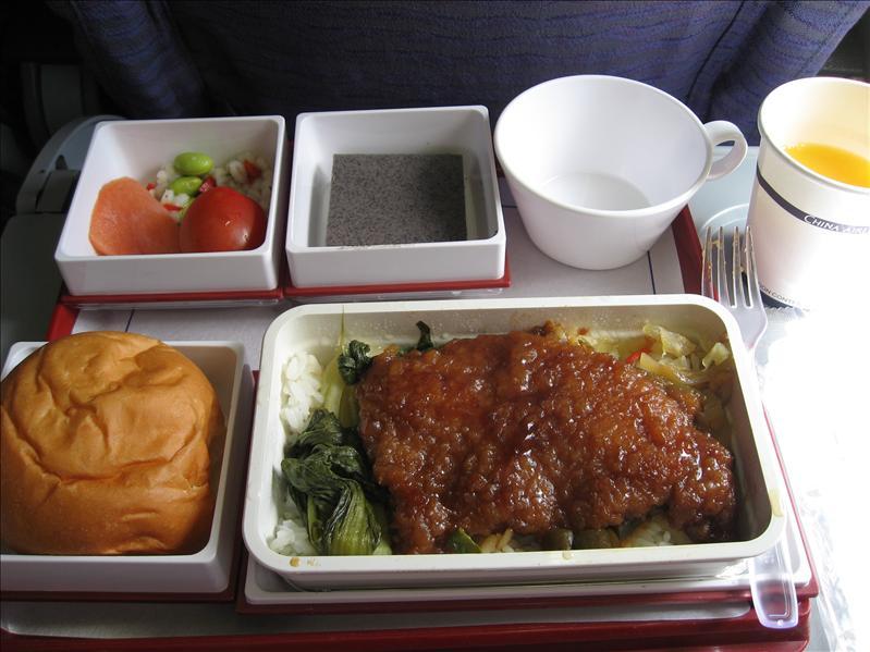 機上餐...