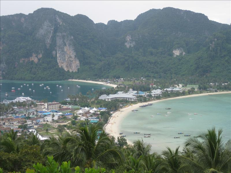 Twin Bay View, recovered and rebuilt after the damages of the 2004 Tsunami