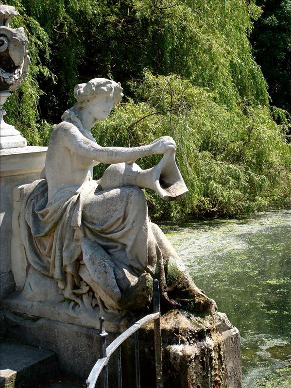 Italian Fountains at Kensington Garden
