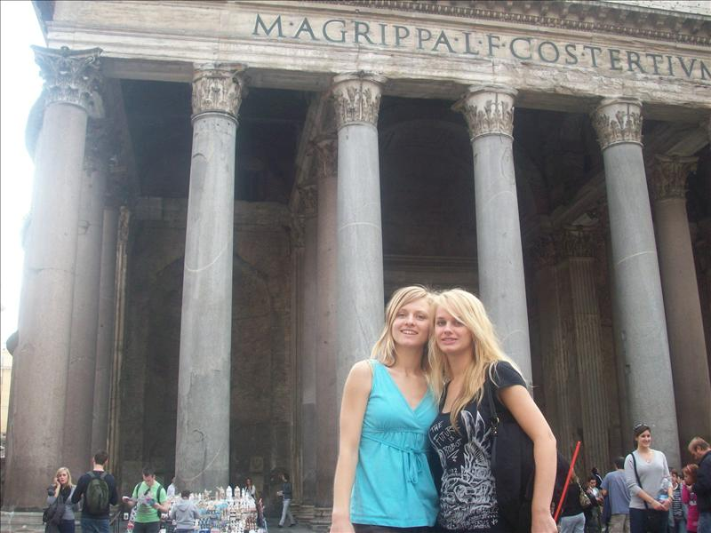 Jes and I infront of the pantheon.