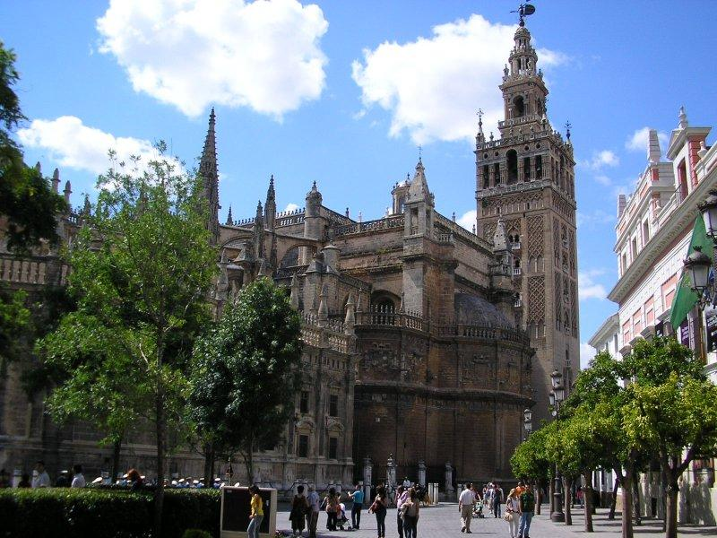 Cathedral and Giralda tower.