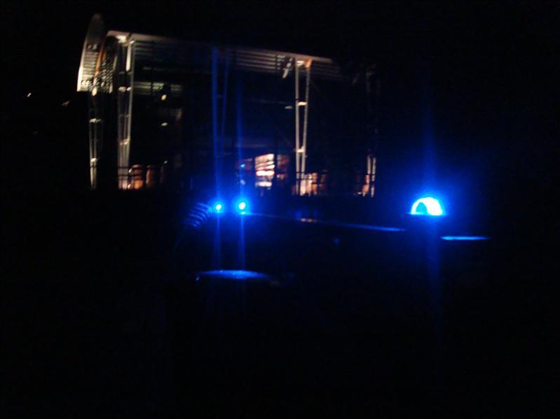Blue Glimcubes on the bridge